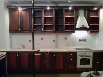 кухни с карнизами и подсветкой фото